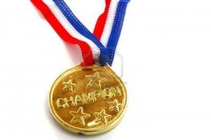 8725751-champion-goldmedaille-mit-stars-on-white